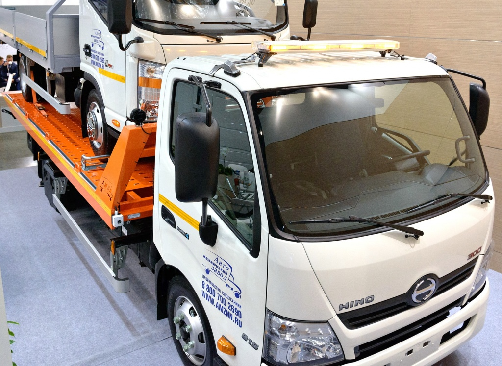 HINO Серия 300 XZU720L